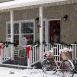holiday porch decorating pictures