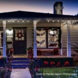 Look at These Homes Decorated with Christmas Lights!