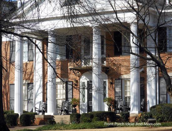 doric columns on Georgia campus