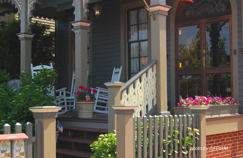 porch with column trim