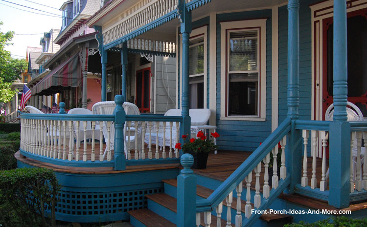 Turned porch balusters on Victorian round front proch