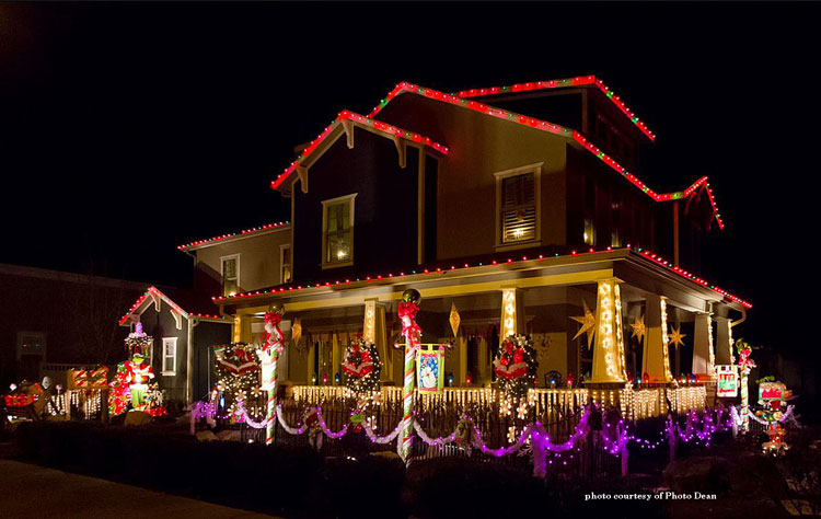 amazing outdoor christmas lights on front porch, home, and yard
