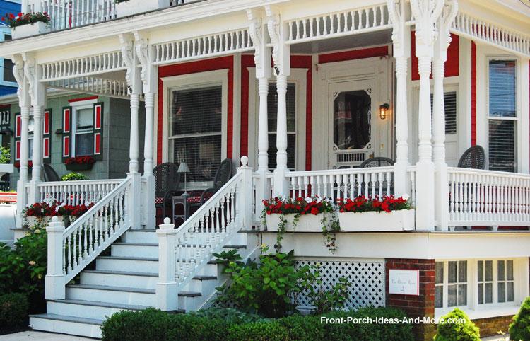 Running house trim between porch columns