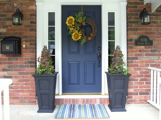sunflower wreath on the front porch