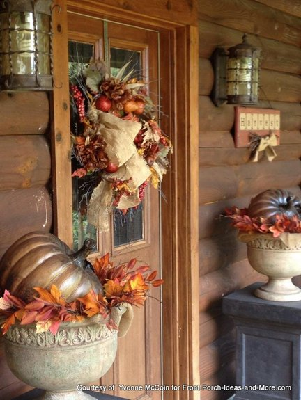 Yvonnes autumn front door