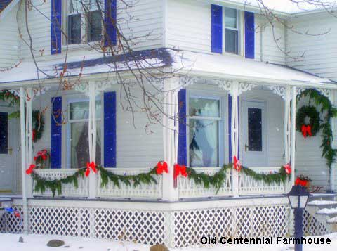 outdoor christmas decorations at jonis farmhouse - Christmas Porch Railing Decorations