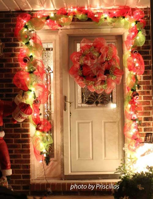 decomesh wreath decorations with Christmas lighting