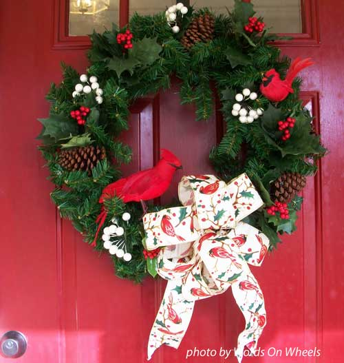 Evergreen wreath with pretty bow