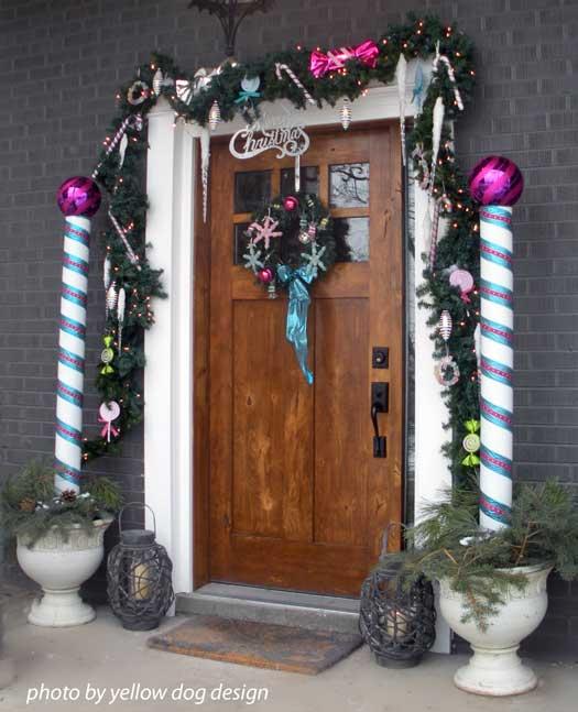 Decorating Ideas > Choose A Christmas Door Decoration For Holiday Pizzazz ~ 090552_Christmas Decorations For A Door