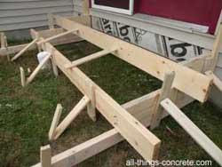 Concrete porch steps form