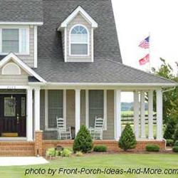 Farmhouse Porch Design With Multiple Column