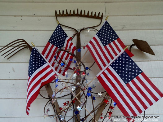 ingenious use of yard tools for wreath