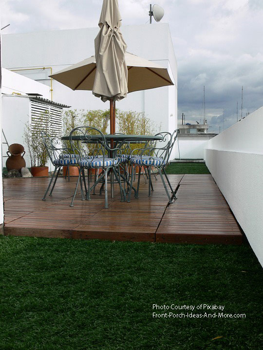 deck patio idea with unbrella