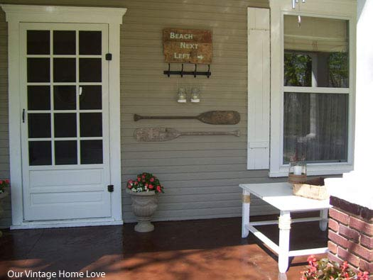 Example of decorated front porch