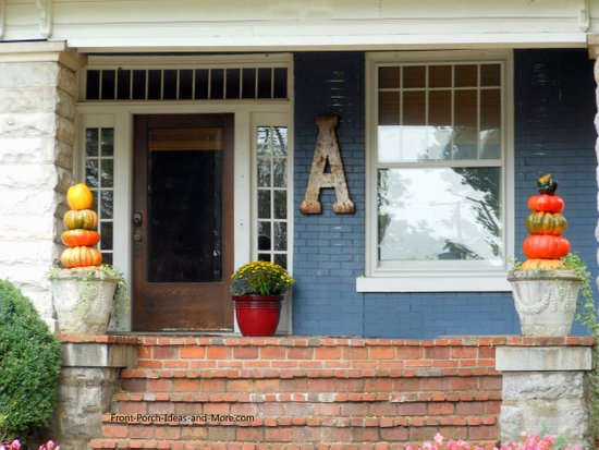 Thanksgiving decoration idea: simple pumpkin topiary