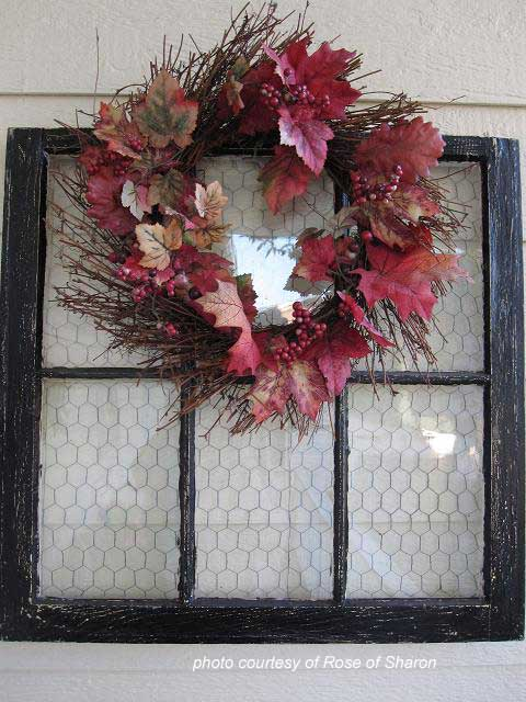 screen window wreath display
