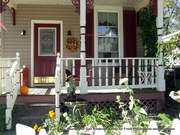 Brackets create an extra special porch