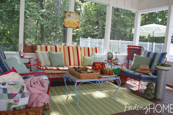 Completely furnished screen porch with skylights