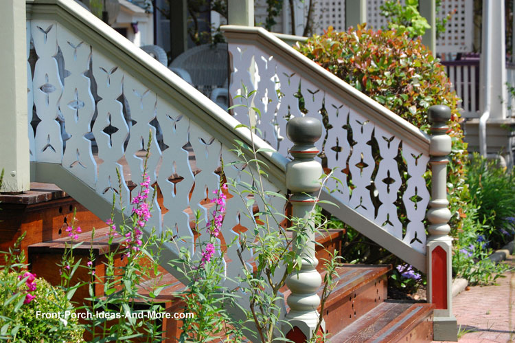 very classy sawn porch balusters on these porch stairs