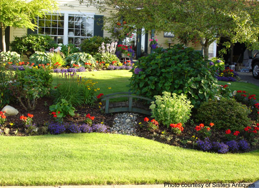 Garden on pinterest landscape pictures traditional for Colorful front yard landscaping
