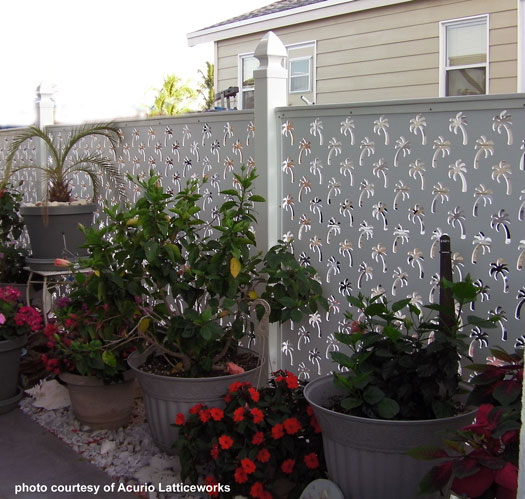 vinyl fence with palm tree design