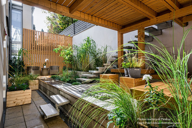 garden patio with wonderful foliage