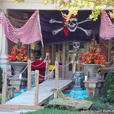 halloween front porch decorating with pirate thene