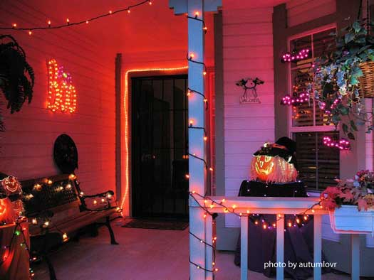 halloween string lights on front porch