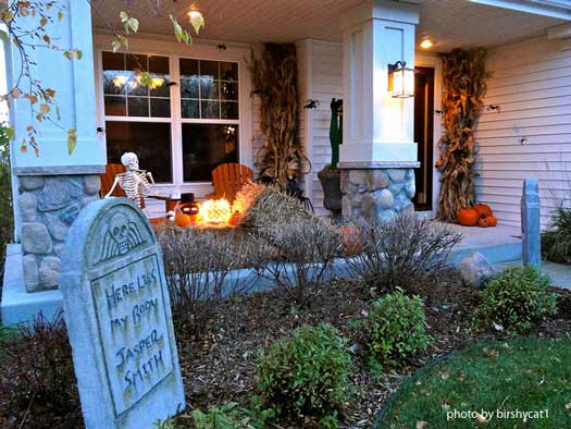 graveyard scene near front porch - How To Decorate For Halloween Outside