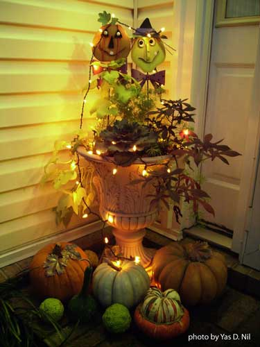Halloween urn decorated for the holiday
