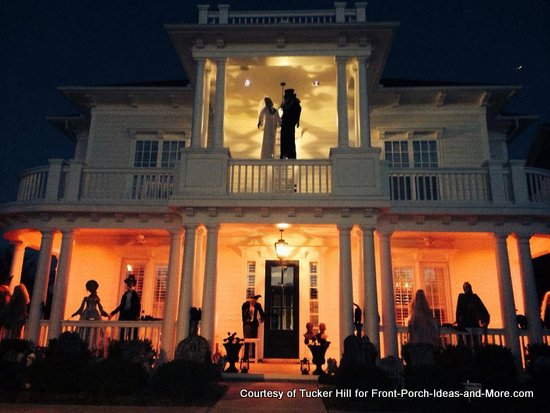 just a few of the ideas we have gathered for you come along and see spooky dead wedding halloween theme on this porch - Outside Halloween Decoration Ideas