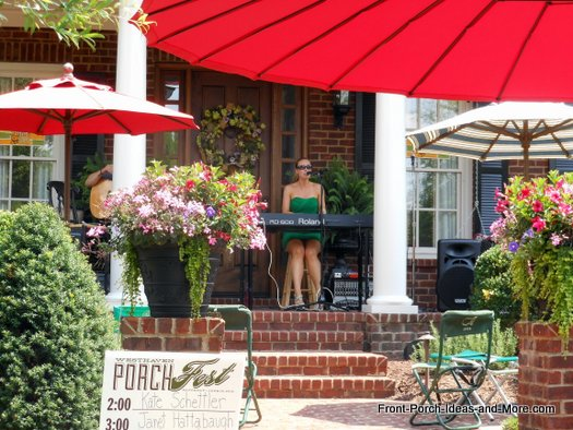 kate schettler perfoming at Westhaven Porchfest