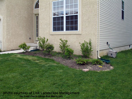 Front yard landscape designs with before and after pictures for Typical landscaping plants