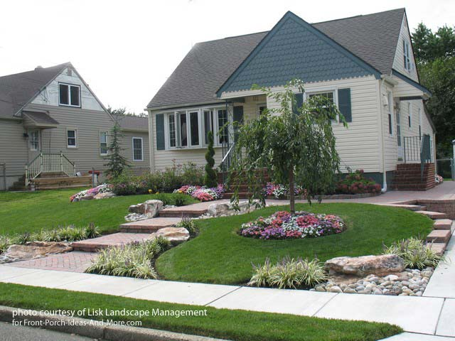 Front yard landscape designs with before and after pictures for Home lawn design