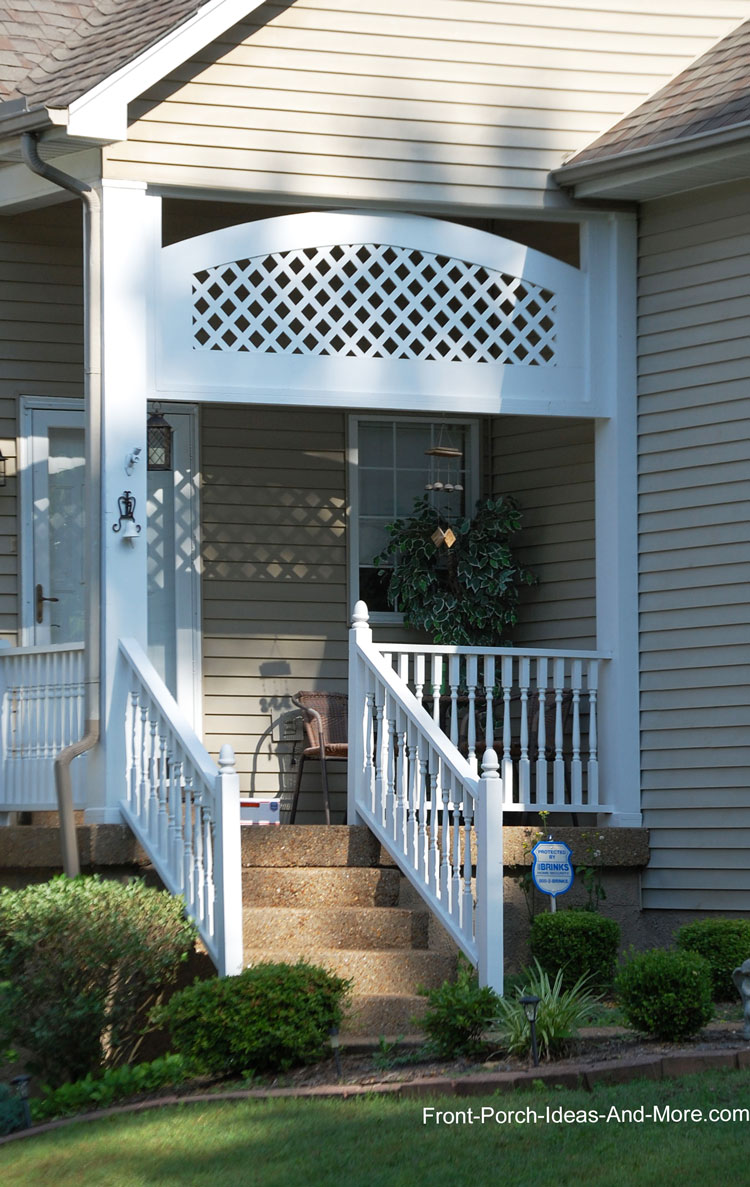 Attrayant Exterior House Trim Used On This Small Porch Creates A Decorative Arch And  A Bit Of