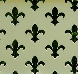 lattice fence design - Fleur de Lis