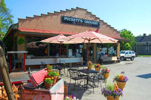 famous Pucketts Grocery in Leipers Fork TN