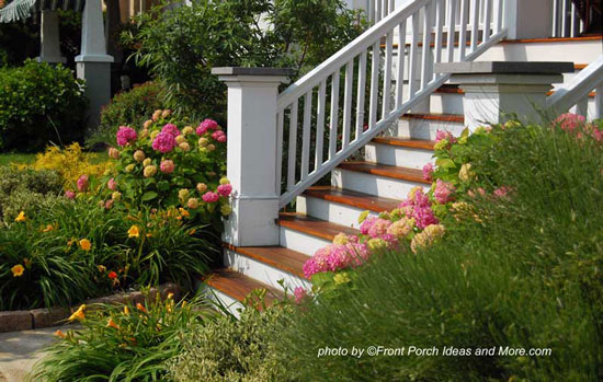Easy landscaping ideas landscape design ideas porch for Low maintenance plants for front of house