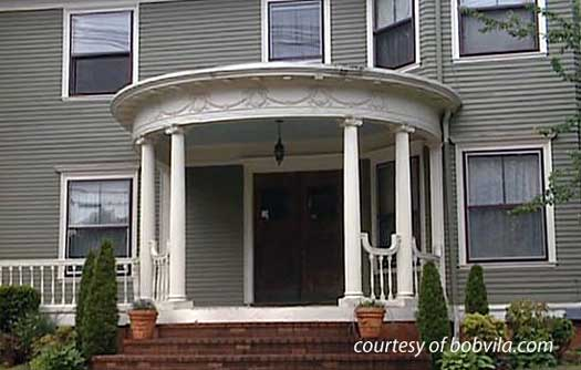 Old home renovation home renovation ideas bob vila for Colonial front porch ideas