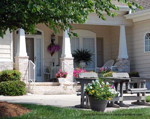 Patio ideas to expand your front porch for Front porch patio ideas