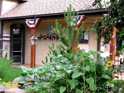 Paul's red, white and blue decorations