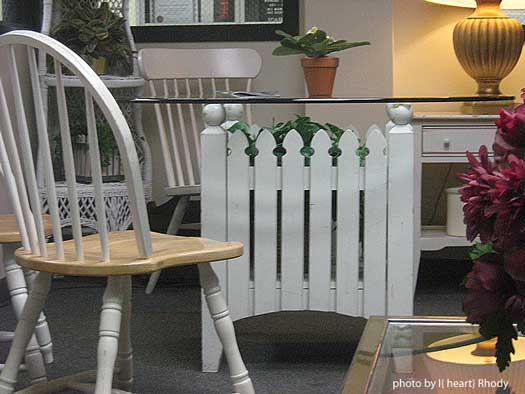 picket fence table