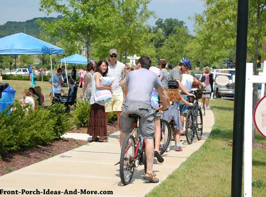 Traveling by bike at porchfest