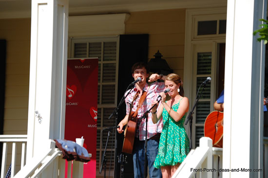 specatators at Westhaven Porchfest