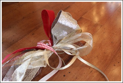 Example of ribbon loops that Jennifer uses to decorate the Christmas tree