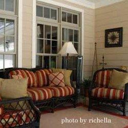 Richella's classy front porch furniture