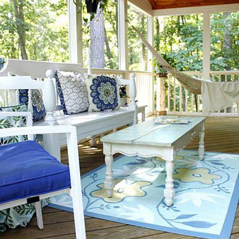 screen porch makeover with beautiful outdoor furniture