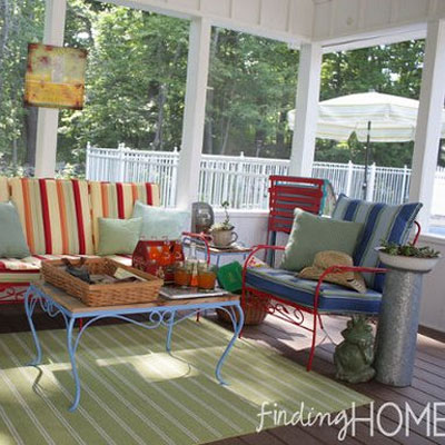 beautifully furnished screen porch
