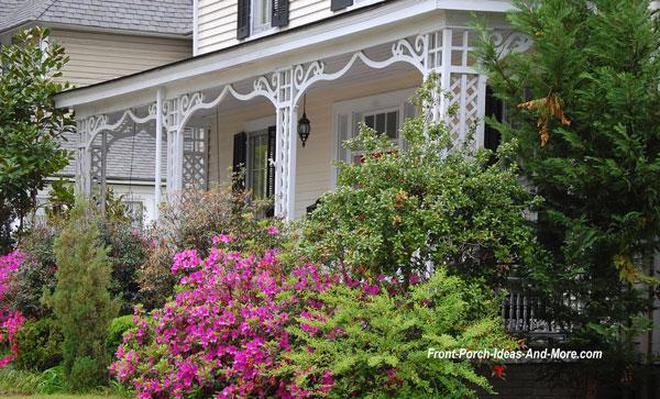 scroll design bracket on front porch in Georgia