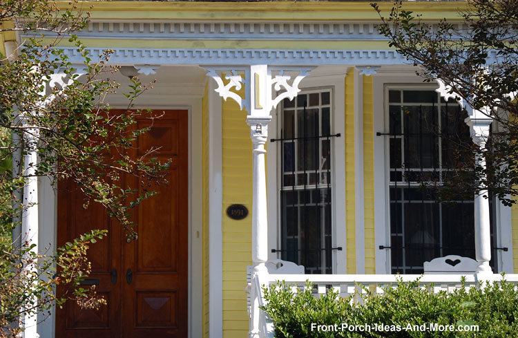 Stylish House Trim Brackets
